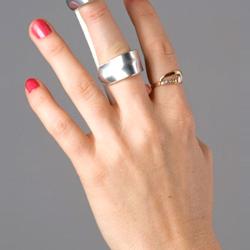 Ортез жесткий на палец (бейсбольная шина)